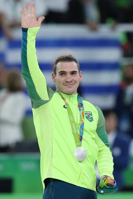Arthur Zanetti ganha sua segunda medalha olímpica nas argolas